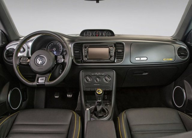 2014_VW_BEETLE_GSR_interior_pic-12