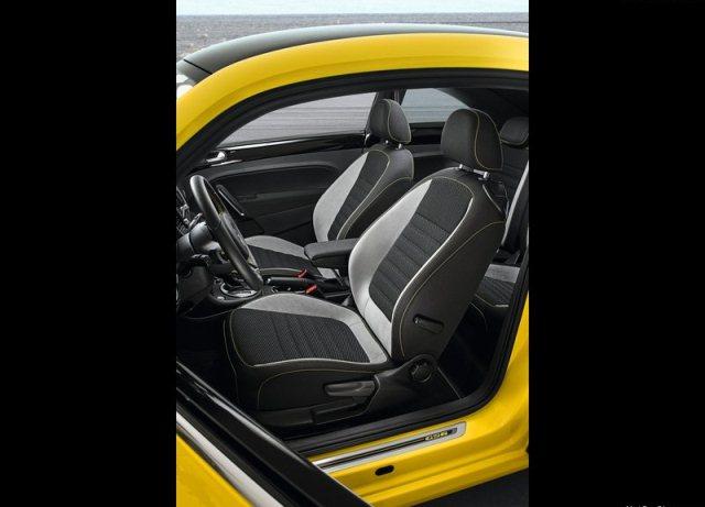 2014_VW_BEETLE_GSR_seats_pic-14