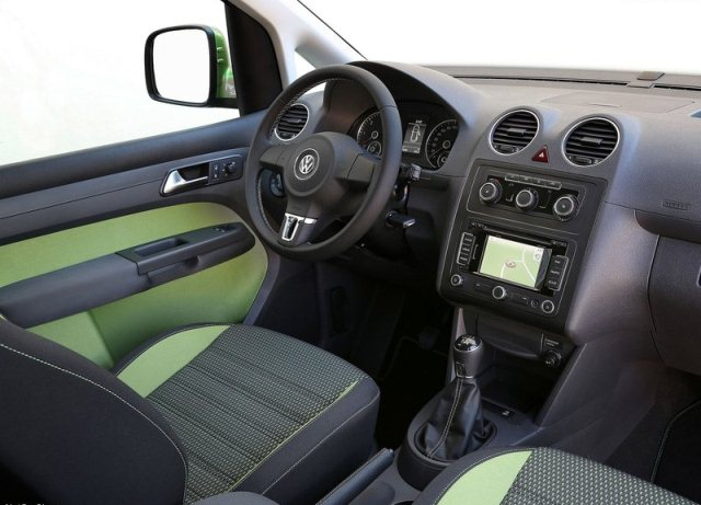 2014 VW CADDY CROSS interior pic 300x216 2014 VW CADDY CROSS interior