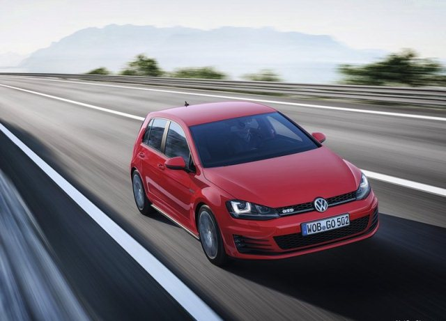 2014_VW_GOLF_GTD_front_pic-2