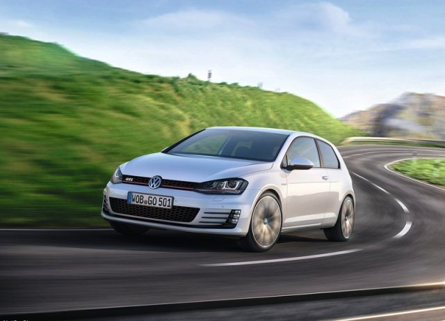 2014_VW_GOLF_GTI_front_pic-2