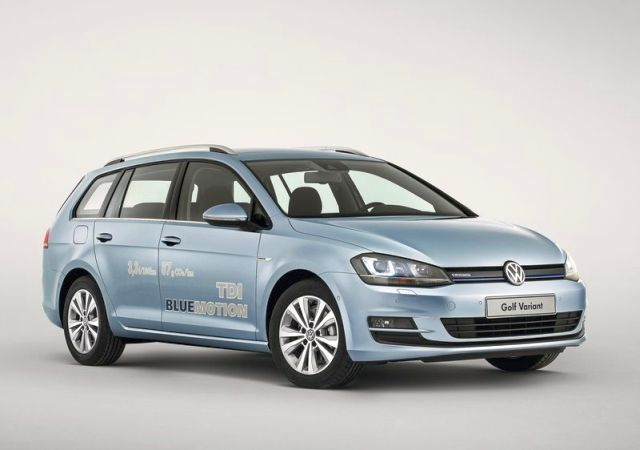 2014_VW_GOLF_SW_VARIANT_front_pic-2