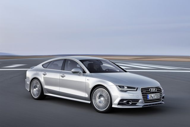 2015_AUDI_A7_SPORTBACK_front_pic-11