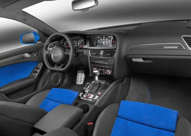 2015_AUDI_RS4_AVANT_Nogaro_Selection_interior_pic-6