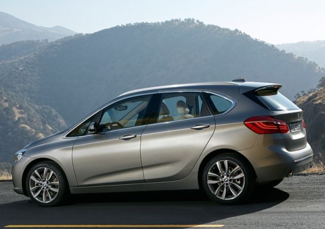 2015_BMW_2_ACTIVE_TOURER_pic-14