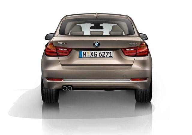 2015_BMW_3_GT_rear_pic-12