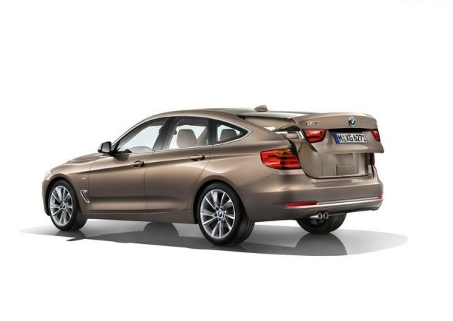 2015_BMW_3_GT_rear_pic-9