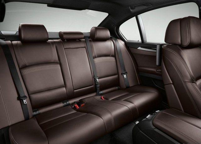 2015_BMW_5_SERIES_interior_pic-11