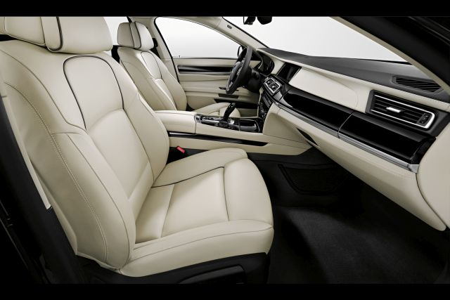 2015_BMW_7_SERIES_EDITION_EXCLUSIVE_interior_pic-4