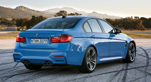 2015_BMW_M3_rear_pic-11