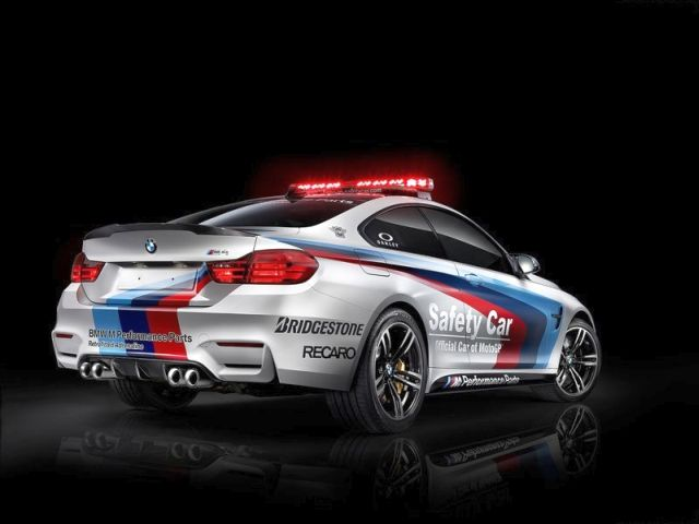 2015_BMW_M4_COUPE_Safety_Car_MOTOGP_rear_pic-3
