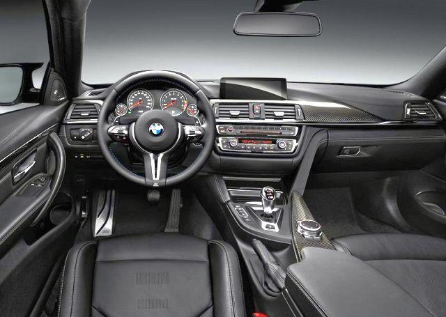 2015_BMW_M4_COUPE_steeringwheel&dashboard_pic-11