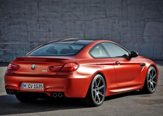 2015_BMW_M6_COUPE_pic-6