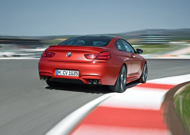 2015_BMW_M6_COUPE_pic-7