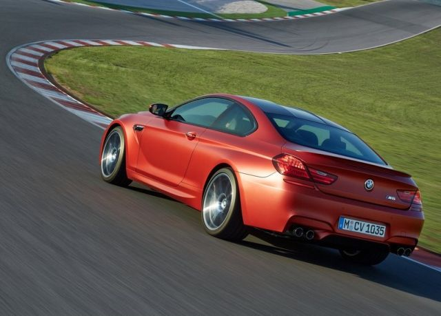 2015_BMW_M6_COUPE_pic-9