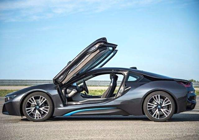 2015 BMW i8 Electric Sport Car