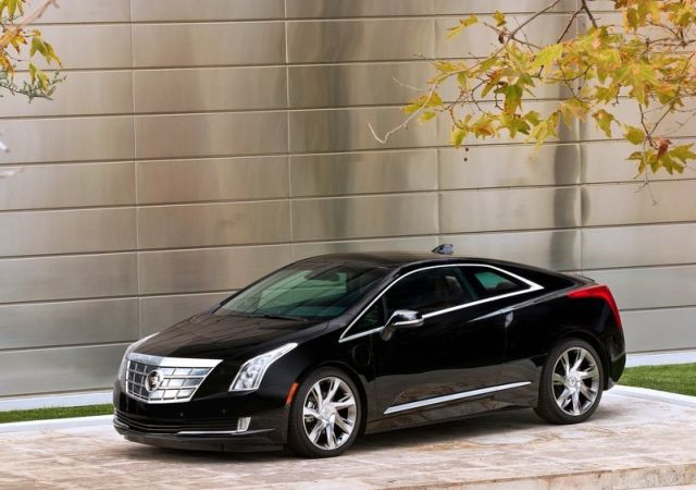 2015_CADILLAC_ELR_Coupe_front_pic-4