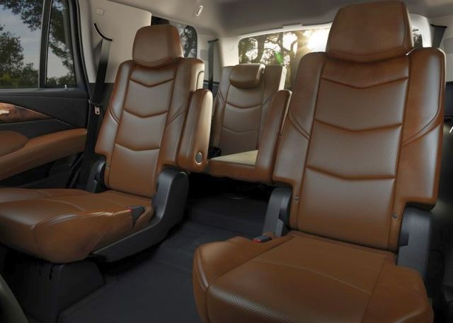 2015_CADILLAC_ESCELADE_SUV_4X4_Seven_seats_pic-11