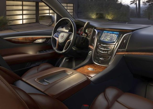 2015_CADILLAC_ESCELADE_SUV_4X4_interior_pic-7