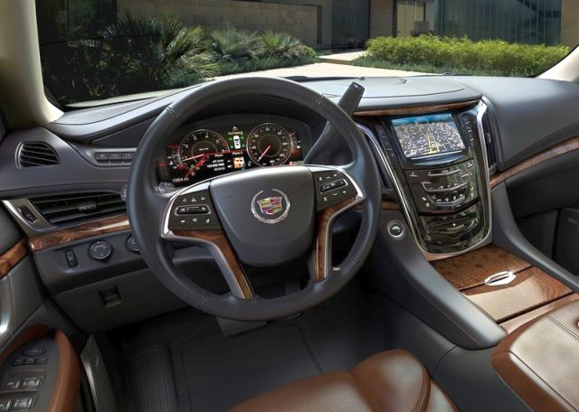 2015_CADILLAC_ESCELADE_SUV_4X4_steeringwheel_pic-9