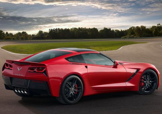 2015_CHEVROLET_CORVETTE_C7_STINGRAY_pic-11