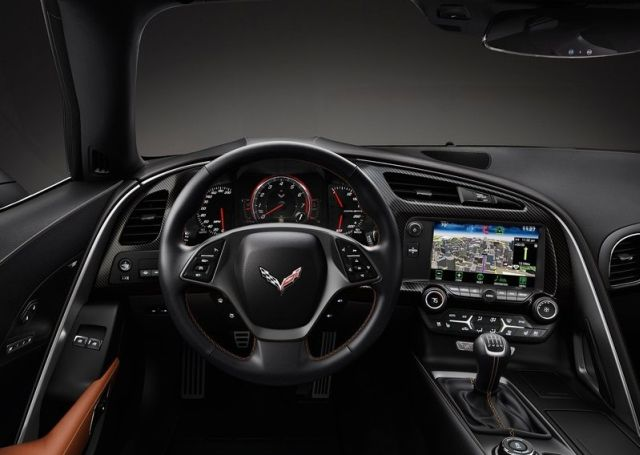 2015_CHEVROLET_CORVETTE_C7_STINGRAY_pic-14