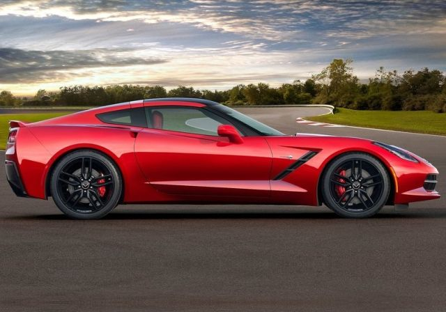 2015_CHEVROLET_CORVETTE_C7_STINGRAY_pic-9