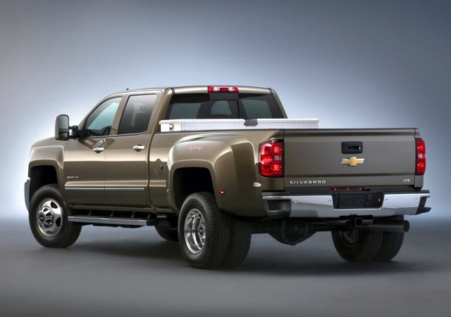 2015_CHEVROLET_SILVERADO_HD_3500_LTZ_4X4_rear_pic-9