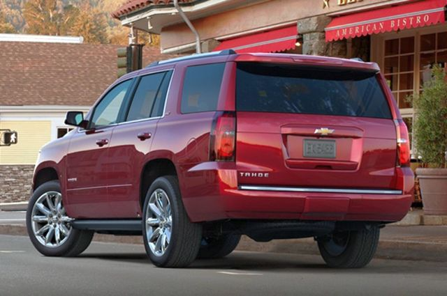 2015_CHEVROLET_TAHOE_rear_pic-5