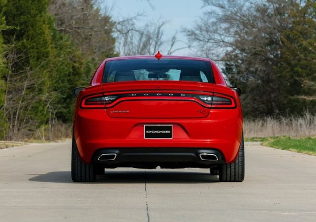 2015_DODGE_CHARGER_pic-10