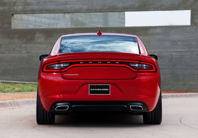 2015_DODGE_CHARGER_pic-9