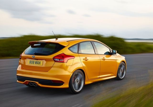 2015_FORD-FOCUS_ST_pic-11