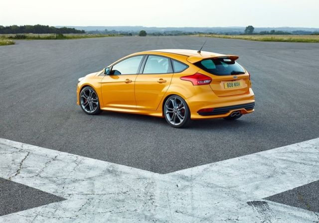 2016_FORD-FOCUS_ST_pic-12