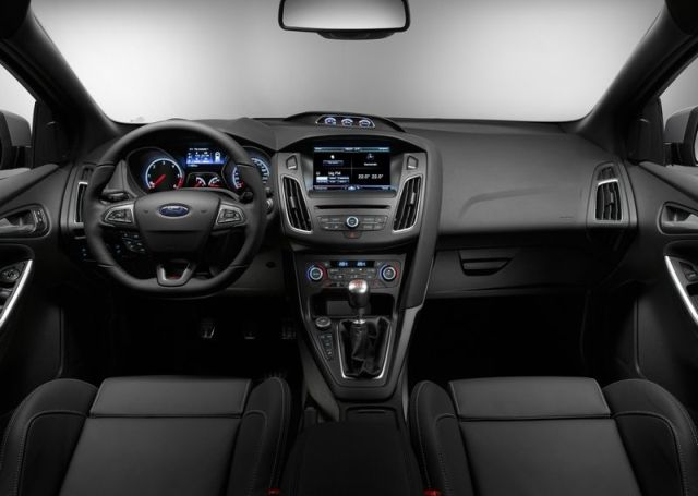 2016_FORD-FOCUS_ST_pic-dashboard_pic-3
