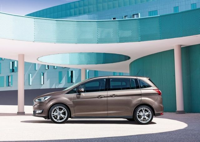 2015_FORD_C-MAX_pic-5