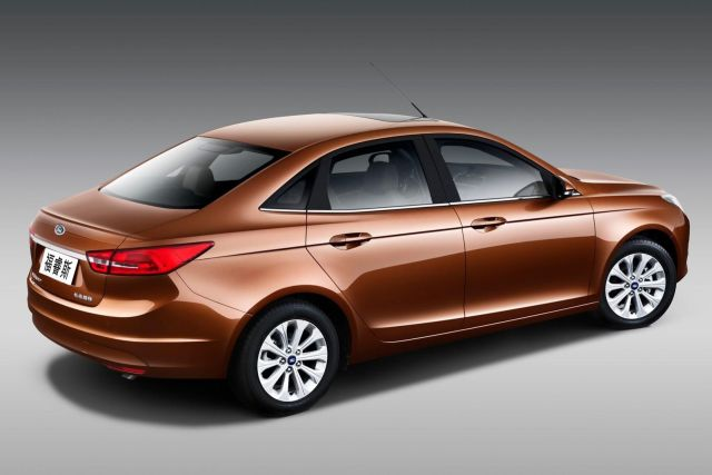 2015_FORD_ESCORT-Fiesta Sedan_rear_pic-2