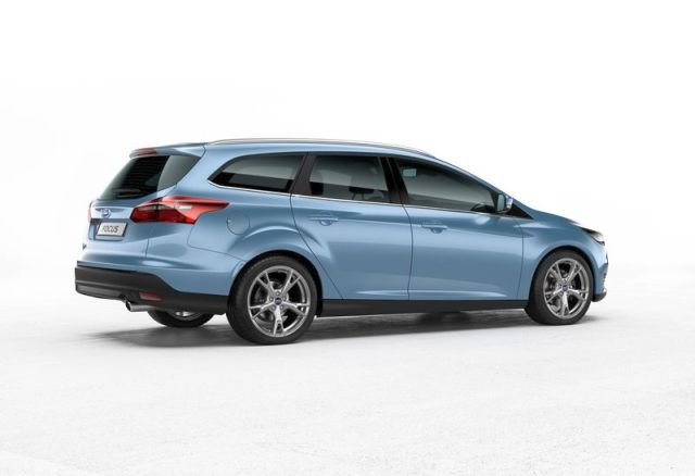 2016_FORD_FOCUS_WAGON_Restyle-rear_pic-3