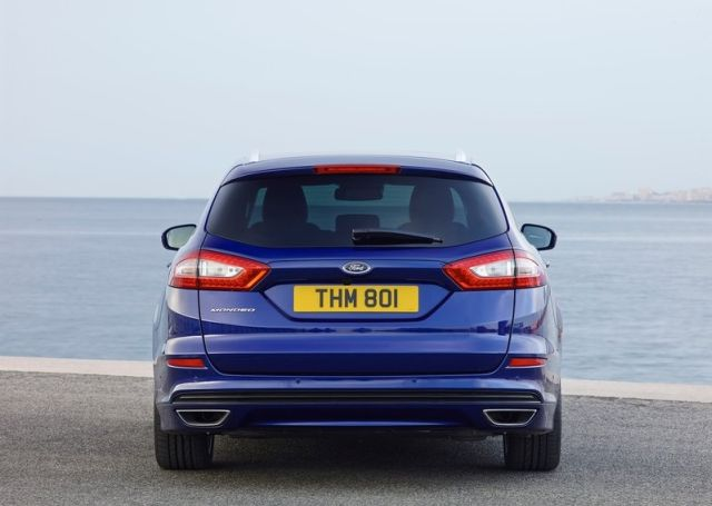 2015_FORD_MONDEO_WAGON_pic-5