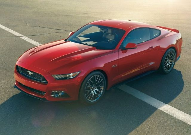2015_FORD_MUSTANG_GT_front_pic_1
