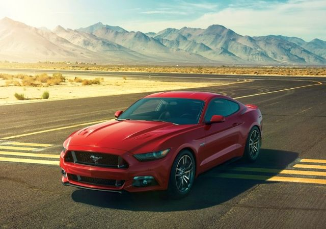 2015_FORD_MUSTANG_GT_front_pic_2