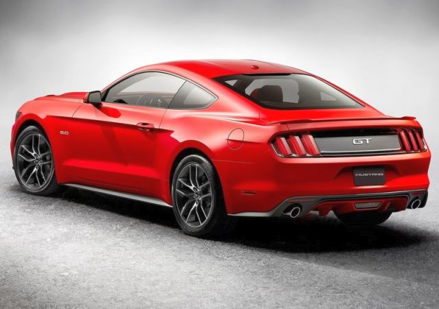 2015_FORD_MUSTANG_GT_rear_pic_8