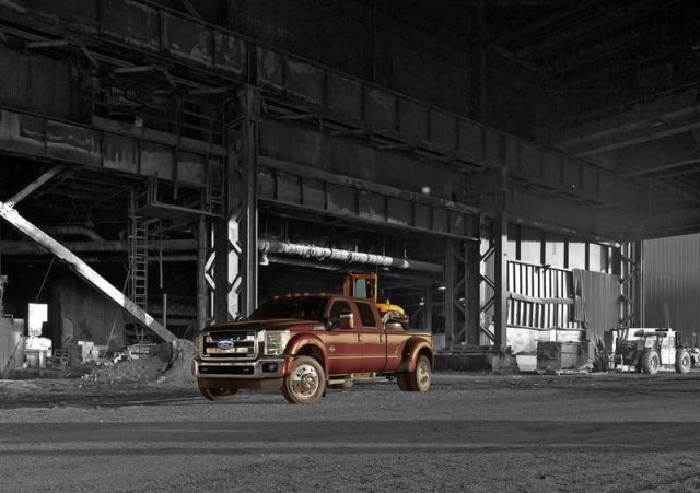 2015_FORD_SUPER_DUTY_F-450_Truck_front_pic-5