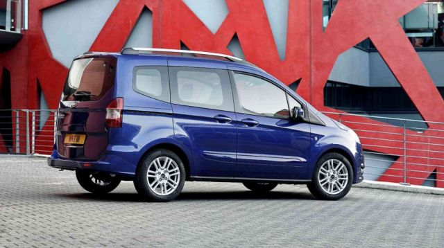 2015_FORD_TOURNEO_COURIER_pic-5