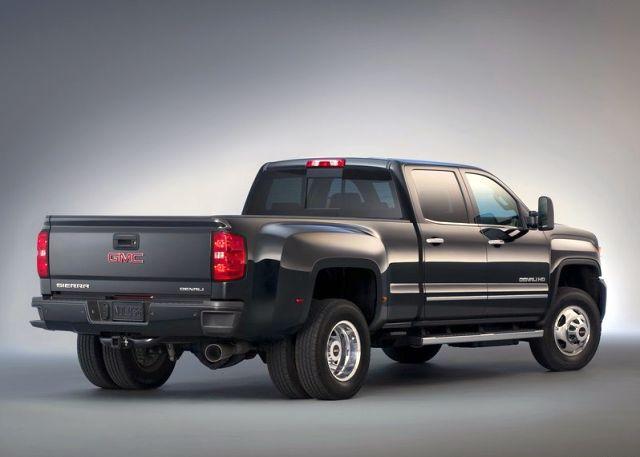 2015_GMC_SIERRA_DENALI_3500HD_4x4_truck_rear_pic-6