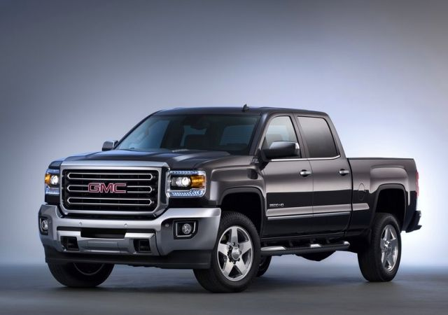 2015_GMC_SIERRA_SLT_Z71_2500HD_4x4_pick-up_front_pic-2
