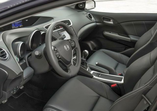 2015_HONDA_CIVIC_TOURER_interior_pic-10
