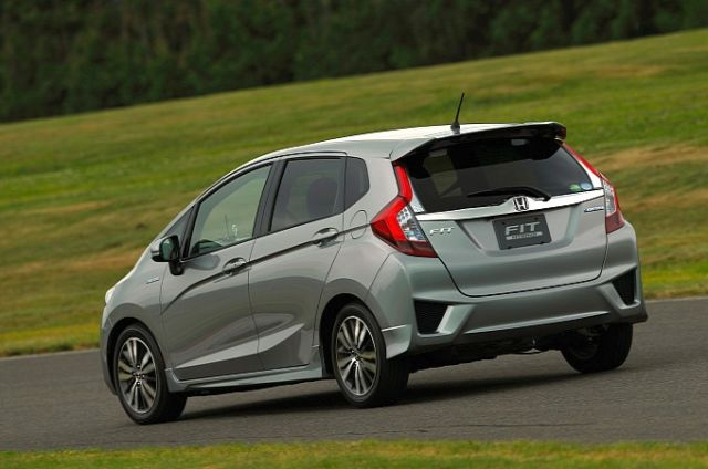2015_HONDA_FIT_2015_Honda_Jazz_rear_pic-4