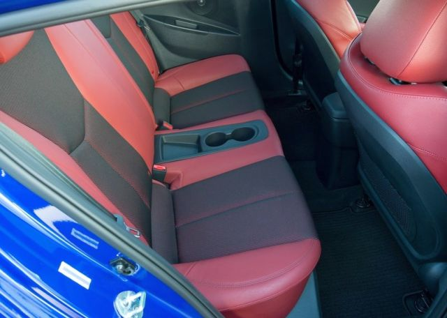 2015_HYUNDAI_VELOSTER_TURBOR-SPEC_seats_pic-8