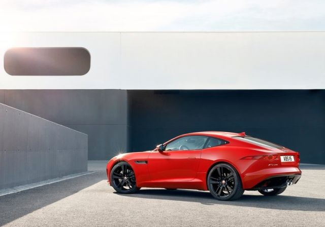 2015_JAGUAR_F-TYPE_COUPE_rear_pic-4