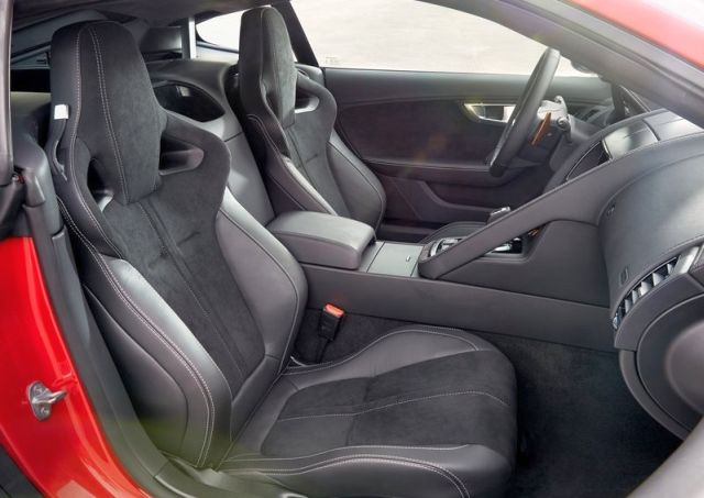 2015_JAGUAR_F-TYPE_COUPE_seats_pic-8